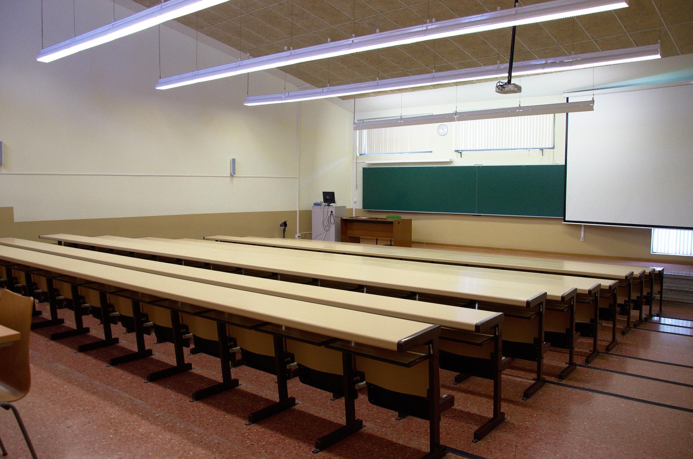 Reserva de espacios de la Universidad de Oviedo Espacios disponibles #261A11 2370x1571